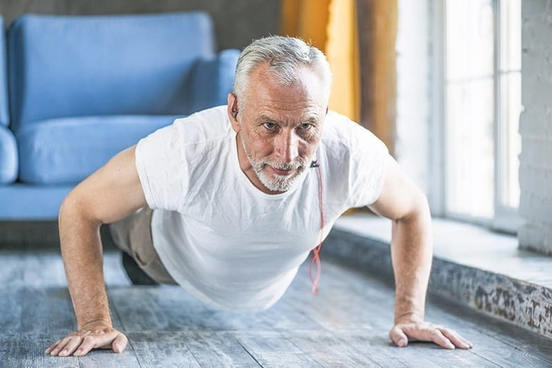 aktywnosc fizyczna starszy mezczyzna